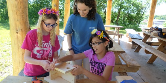 Wiley Afterschool Students build bird nest boxes