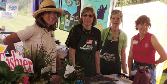 Master Gardeners @ the Plant Sale