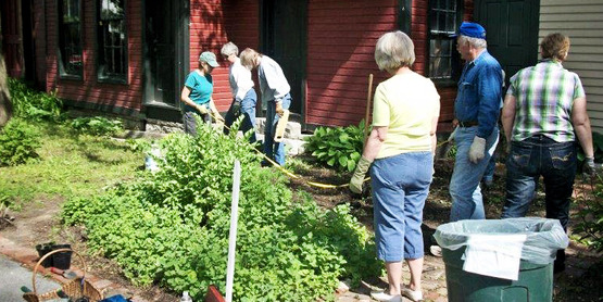 Master Gardeners at the Jefferson County Historical Society
