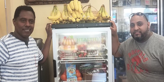 Mandelas Market Traing w/Store Owner