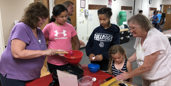 EFNEP's Free Parent and Child Cooking Class