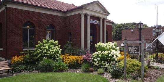 Rural Beautification Grant, Groton Library Plantings