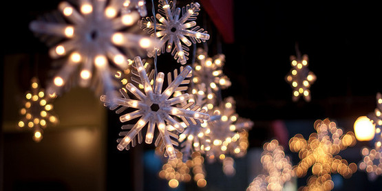 Sponsor a snowflake in our Winter Wonderland event