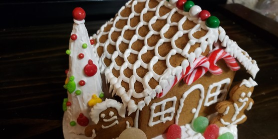 LEAF Junior Gingerbread House Kit
