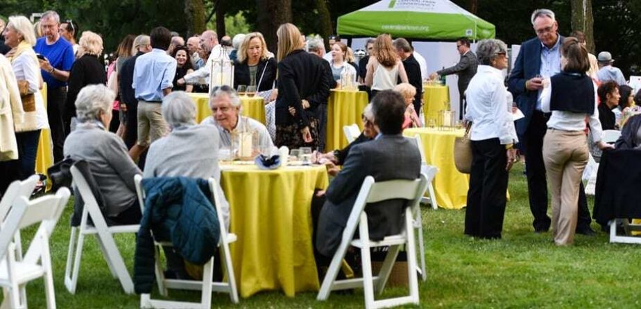 Members enjoy an exclusive reception on the Great Lawn.