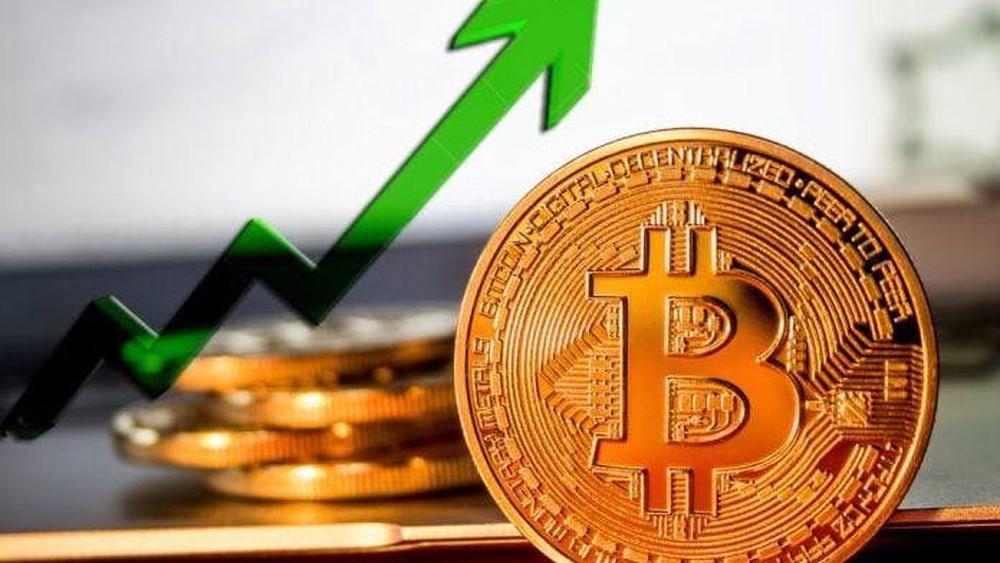 Bitcoin bứt phá vượt mức 39.000 USD với đà tăng trưởng hàng ngày mạnh nhất trong 6 tuần qua
