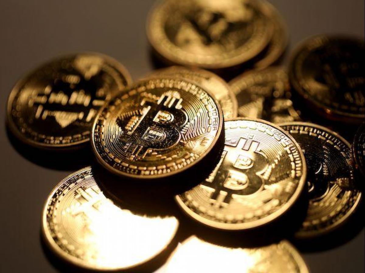 Kilit Sektör Oyuncuları Bitcoin ve Bu Altcoin'i Piyasaya Boşaltıyor!