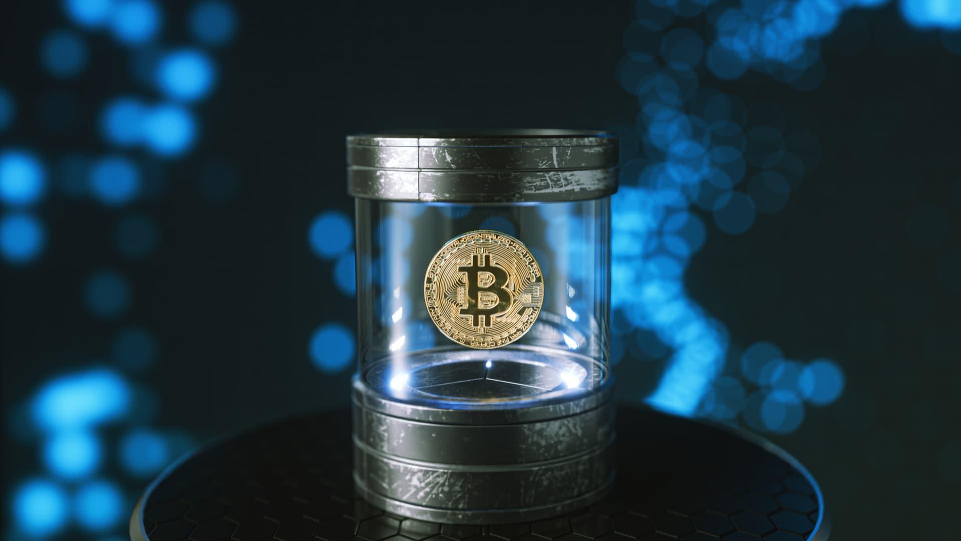 """Empresa russa cria """"cápsula do tempo"""" para quem quiser deixar bitcoin para herdeiros"""