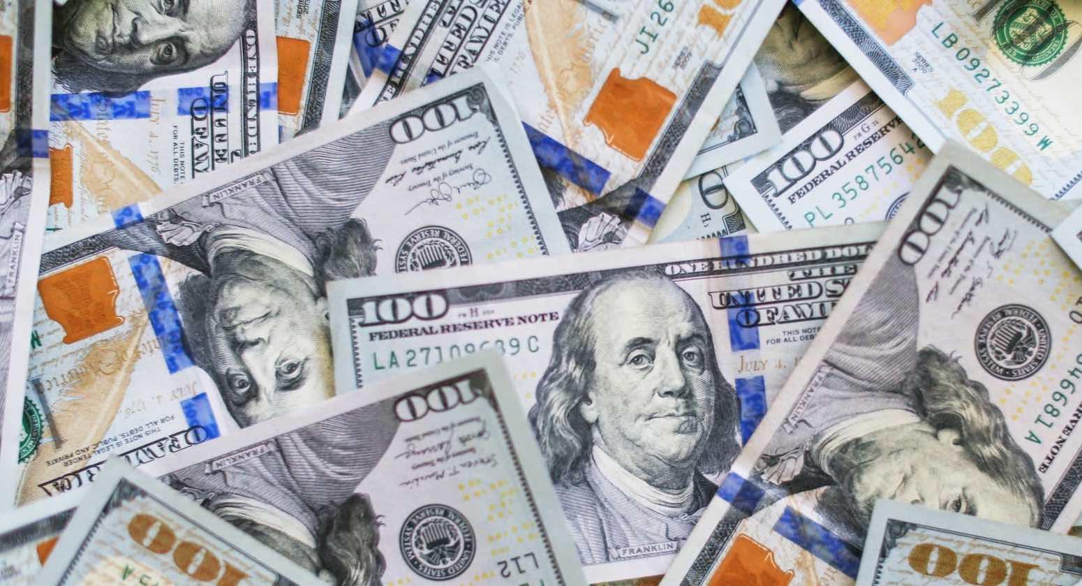 Reserva Federal de EE UU reitera que las tasas de interés seguirán cercanas a cero