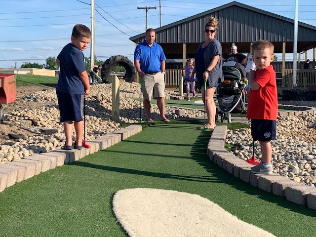 Outdoor Attractions! Mini Golf, Pavilion & More!