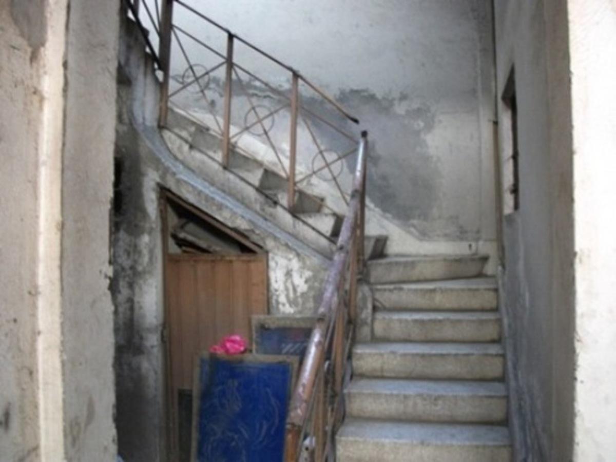 Escaleras 202
