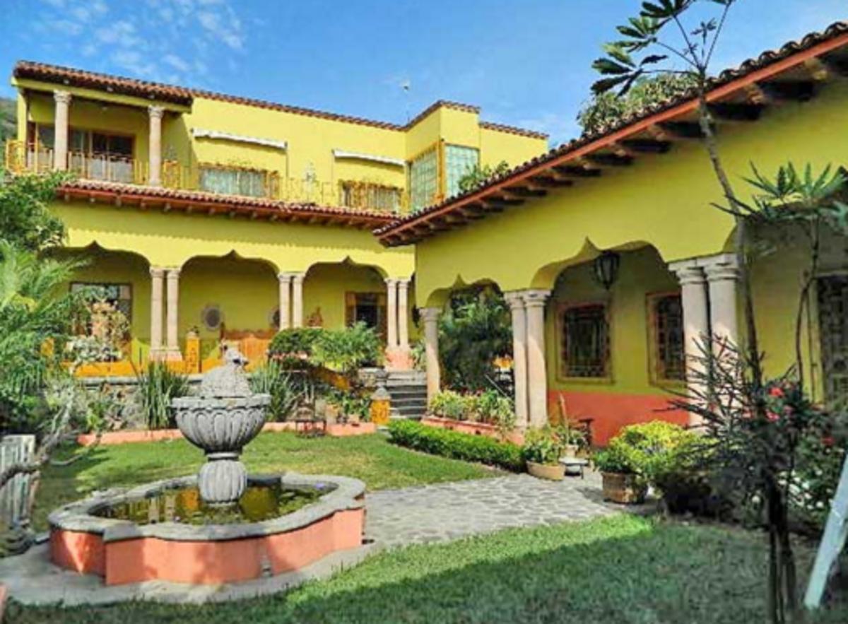 Casa estilo hacienda con vista al lago easyaviso for Planos de casas estilo colonial