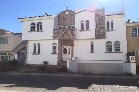 Casa En Venta en Condominio Villa Verona Zapopan | EasyAviso