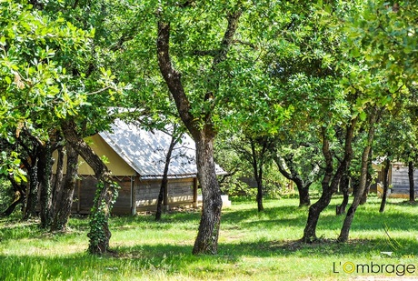 Camping Nature l'Ombrage ***