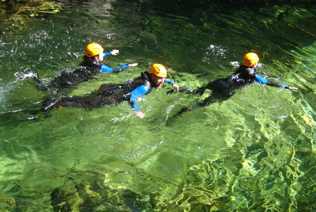 Dans les eaux limpides de la Borne