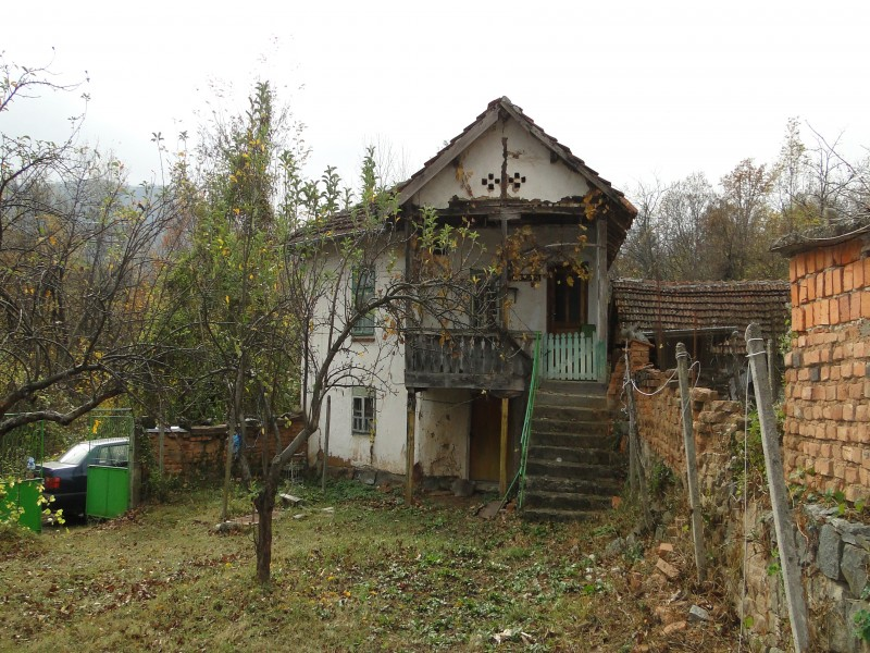 I want to renovate our  90 years old house and keeping the typically Bulgarian traditions.