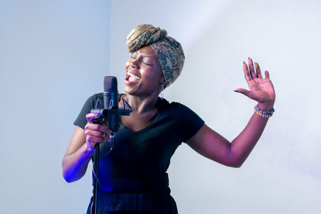 woman_singing