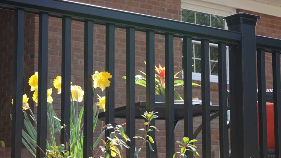 gallery-horizon-railing-black