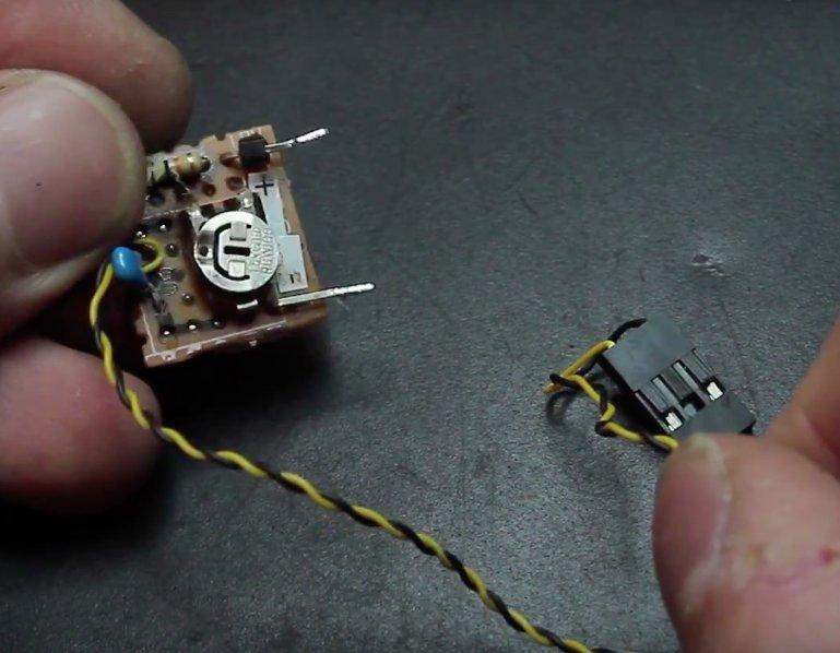 Build a FrSKY telemetry voltage sensor | Flite Test