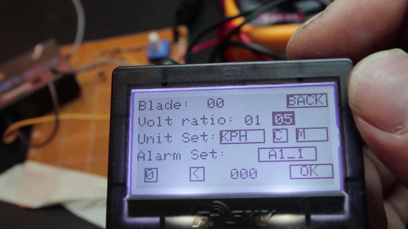 Build a FrSKY telemetry voltage sensor   Flite Test
