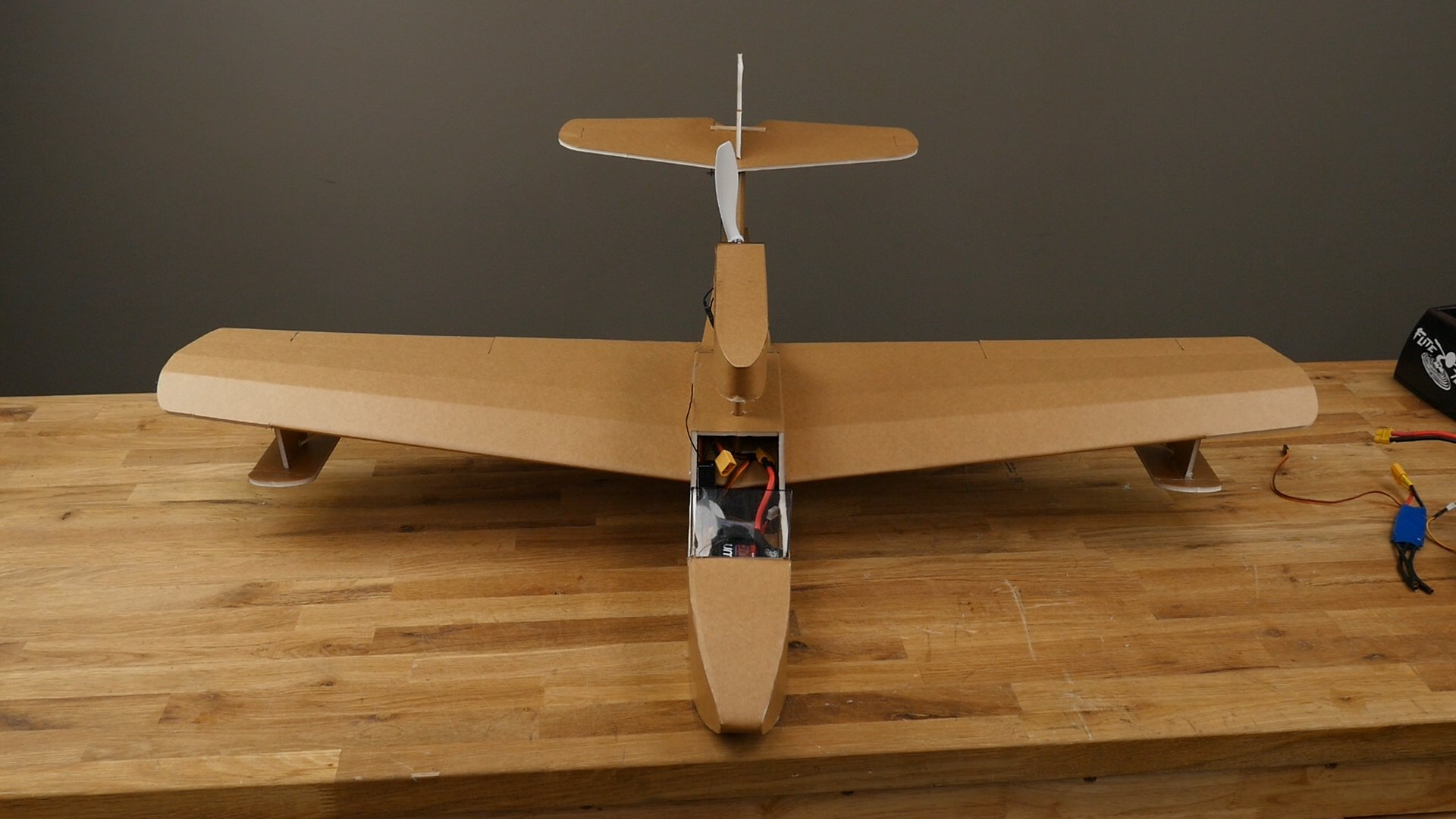 How to make rc plane out of cardboard