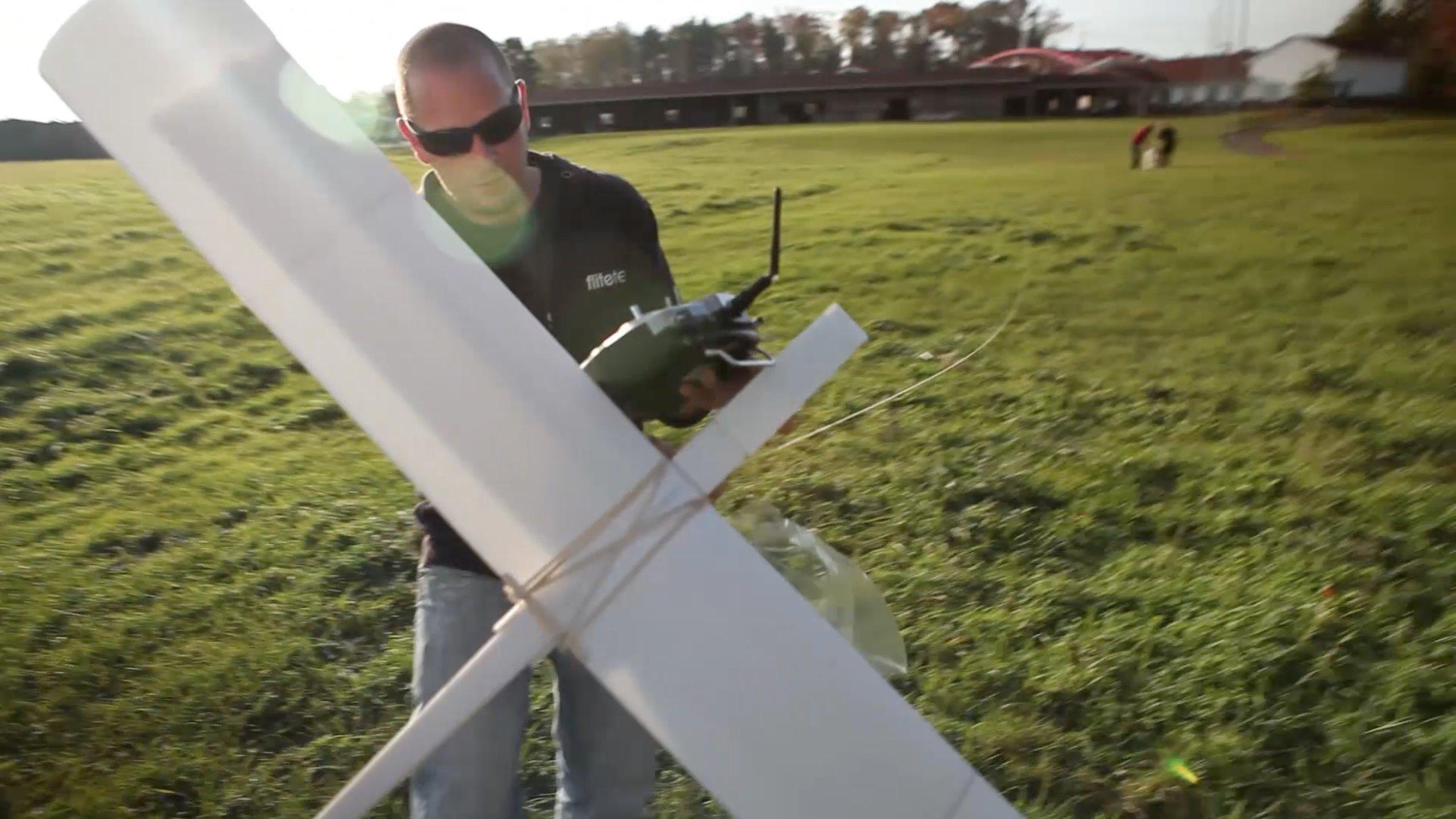 FT Simple Soarer - BUILD | Flite Test