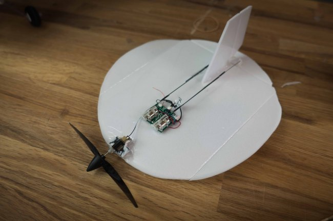 how to make a plane with a motor that flies