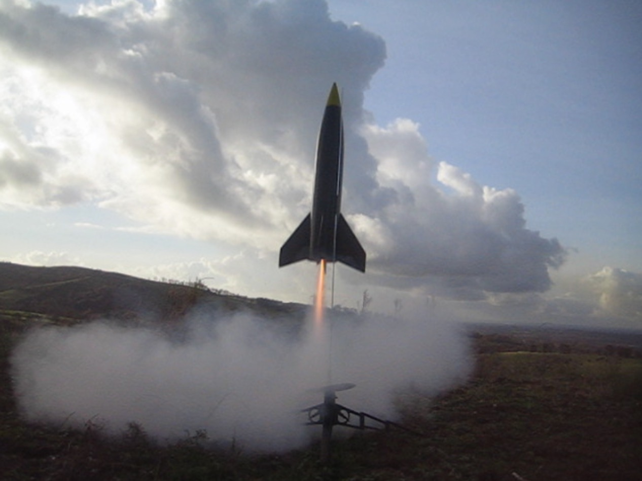 Guide to Model Rocketry Part 1 - Introduction   Flite Test