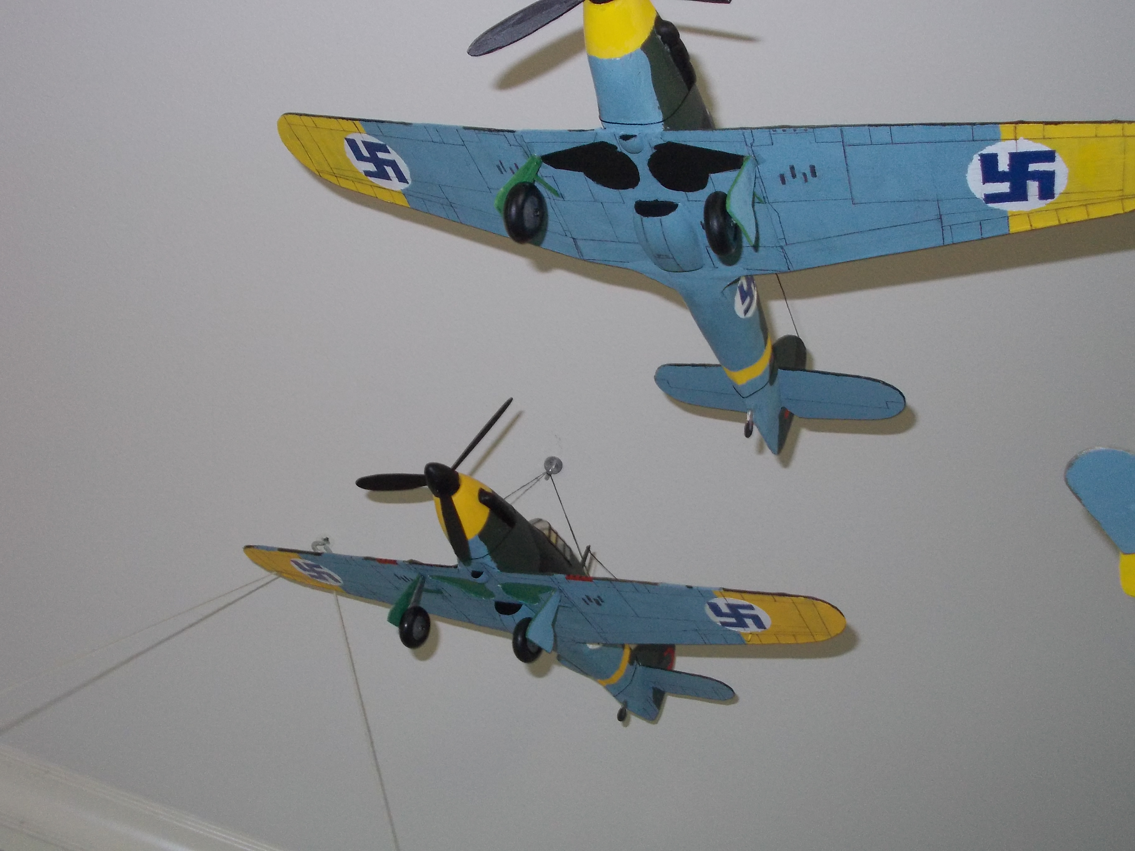 Pick my guillows hawker hurricane painted to look like those used by the finnish air force during the continuation war 1941 1944 drawing the panel