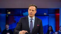 Jake Tapper, of CNN's State of the Union, speaks to a crowd at the Harvard Institute of Politics.