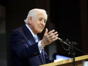 """""""Let's Make A Deal"""" host Monty Hall speaks at a 2011 charity event honoring him."""