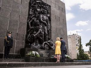 The Monument to the Ghetto Heroes commemorates the Warsaw Ghetto Uprising.