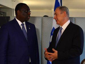 Prime Minister Benjamin Netanyahu of Israel meets with President Macky Sall of Senegal in New York, September 22, 2016.