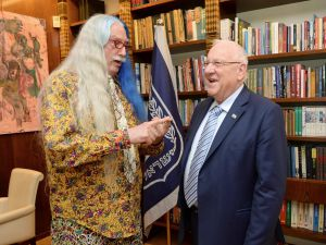 Dr. Patch Adams (left) and Israeli President Reuven Rivlin.