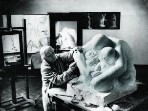 Kathe Kollwitz in her atelier, 1935.