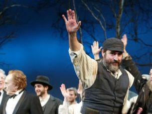 Fiddling About: Alfred Molina starred as Tevye in a 2004 revival of ?Fiddler on the Roof.?