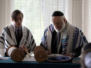 """Rabbi Rothschild (middle) officiates a Bar Mitzvah ceremony on the German hit TV show """"Tatort."""""""