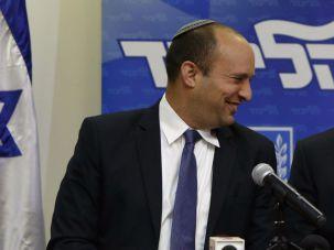 Naftali Bennett and Benjamin Netanyahu announce their coalition agreement, May 6, 2015.