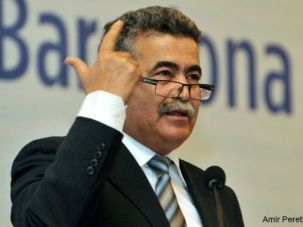 The Moroccan-born Amir Peretz could serve as Israel's first Mizrahi prime minister.