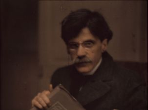 Photograph of Alfred Stieglitz by Edward Steichen, 1907. The Metropolitan Museum of Art, Alfred Stieglitz Collection.