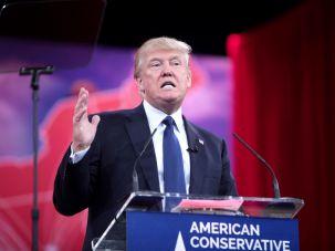 "Donald Trump ""scares"" Jewish Democrats."