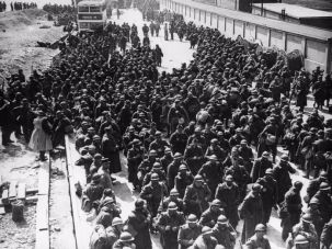 Troops evacuated from Dunkirk arrive in the U.K.