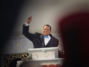 Louis Farrakhan receiving a standing ovation during a press conference in Chicago in 2011.
