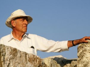 Herman Wouk in Israel in 1987, shooting 'War And Remembrance.'