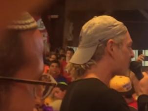 Matisyahu sings at Jewish summer camp.