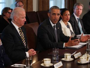 President Barack Obama with Vice President Joe Biden, left, and National Security Adviser Susan Rice, third from left, meeting with combatant commanders and the Joint Chiefs of Staff in the White House, April 5, 2016.
