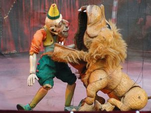 Puppet Food: Lions and marionettes star in Karromato?s ?Wooden Circus.?