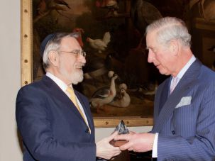 Prize Winner Lord Jonathan Sacks received the prestigious 2016 Templeton Prize from His Royal Highness Prince Charles.