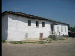 Bershad synagogue and house.