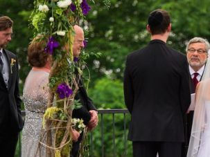 Seymour Rosenbloom presides over daughter's wedding.